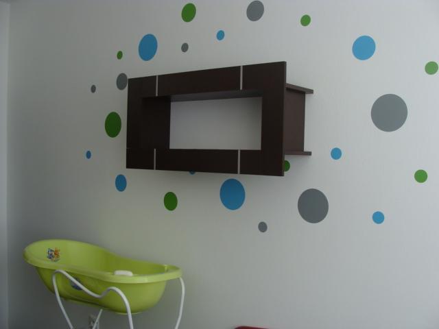 Matúškova detská izba - bodky su super :-)