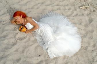 Já snad už před léty věděla,že se budu vdávat na pláži .-) Tohle je snímek z pláže, kterou jsem dělala pro svou kamarádku.