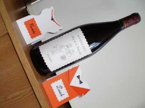 jmenovky a vínko