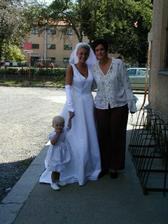 Tak tady já jako svědek a má svědkyně jako nevěsta. Byla nádherná a svatba dokonalá