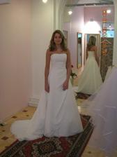 Nevěsta promine za zapůjčení fota, šaty jsou fakt krásné