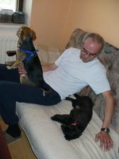 Taťka dostal štěně