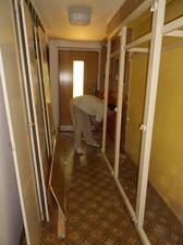 likvidujeme skříň v chodbě