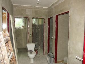 chodbička - vstup do koupelny, wc, pokojíku, schodiště