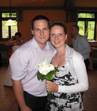 na svatbě jsem chytila svatební kytici