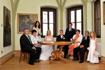 S rodiči a svědky v salónku
