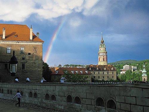 Klárka a Martínek - Zde mě můj nastávající požádal o ruku je to romantické město, bylo to v noci u břehu Vltavy a město bylo nádherně nasvíceno.....