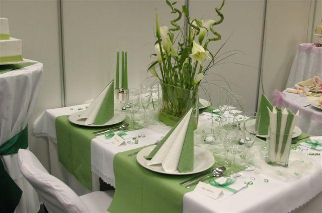 Livia&rasto pripravy vrcholia - výzdoba v zelenom s potiahnutými stoličkami