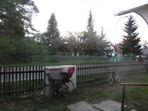 Výhled z pokoje před dům :-)