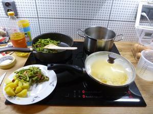 První vaření v domečku a na indukci :-)