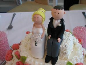 Detail postaviček na dort