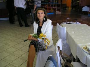 mlada pani Liptakova (na druhy den), patricne znicena po preflamovanej noci:-)