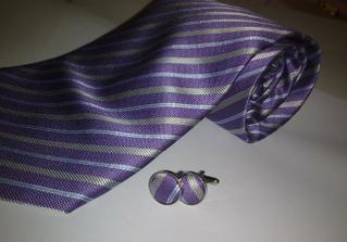 kravata už prišla.. je krasna aj ked na fotke to až tak nevyzera..