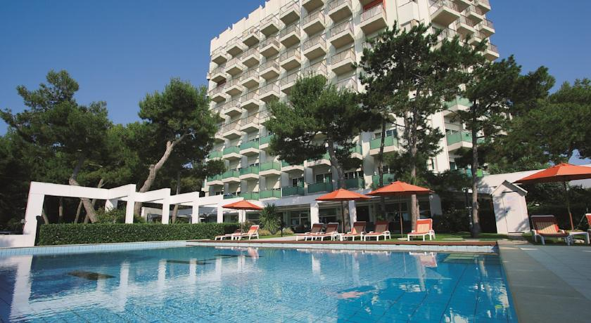 Ahojte, niekto zaujem o dovolenku do Lignano (IT) na 5 dni (4noci) 30.jun - 4.jul? International Beach Hotel 4*, sukromna plaz 2 izby: 1.izba: pre max 4osoby s POLPENZIOU 2.izba: pre 1osobu s POLPENZIOU (1 dieta do 2rokov zdarma) povod.cena spolu 800eur, posuvame za 580eur. viac info ip - Obrázok č. 2