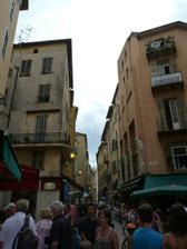 Svatební cesta - Nice a uzoulinkaté přeplněné uličky