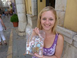 na nákupech ve městě parfémů, Grasse