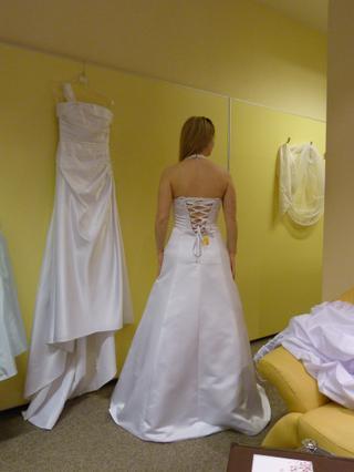 mám vybrané tyhle šaty,... - Obrázok č. 2