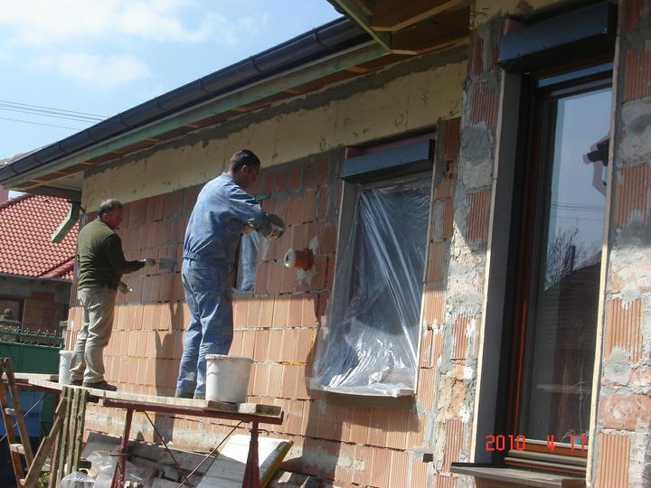 20.júla 2008 sme sa nastahovali do nasho domceka - A pokračujeme ďalej s FASÁDOU:))))