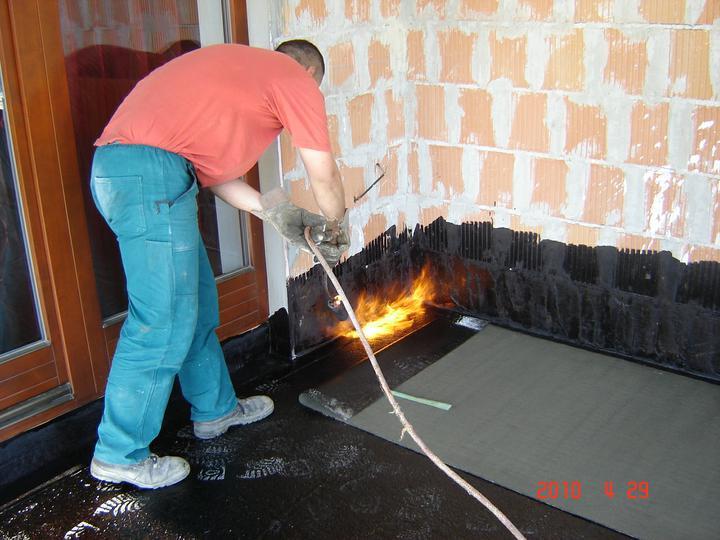 20.júla 2008 sme sa nastahovali do nasho domceka - Dokončuje sa aj terasa:)