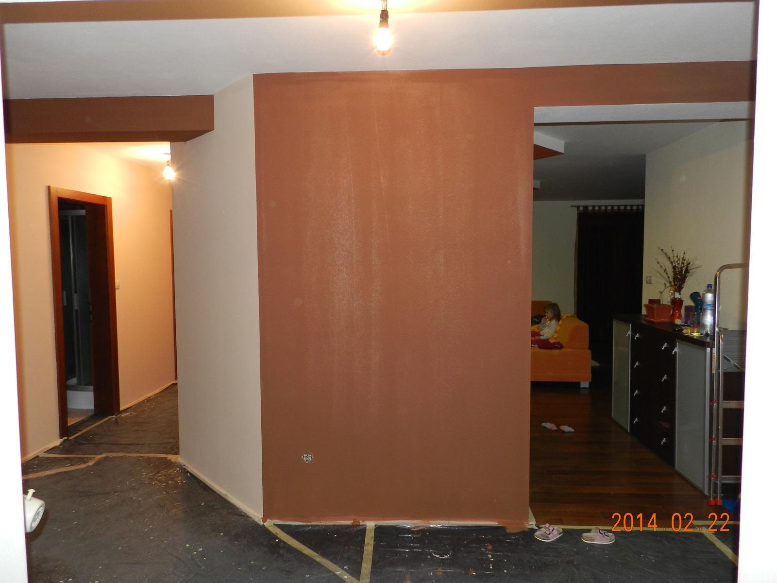 Naša prerábka  :) 2014 - no tak táto stena sa nám nevydarila :( nie je to hnedá ako hnedá :( - stena dnes prefarbená na tmavú hnedú :)