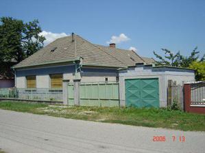 Tento dom sme zacali burat v januari 2007