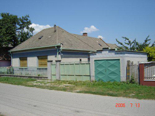 Vysnivany domcek 1. stavba 2007/2008 - Tento dom sme zacali burat v januari 2007