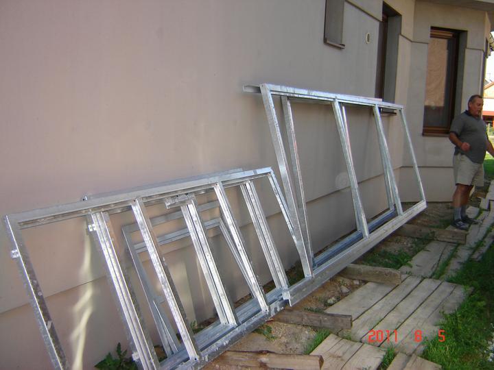 20.júla 2008 sme sa nastahovali do nasho domceka - akurát nám doniesli zo zinkovne