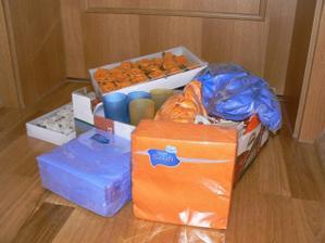 část naší modro oranžové výzdoby