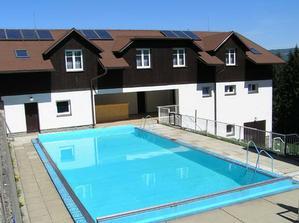 doufam, ze bude teplo aby jsme vyuzili i bazen :-)