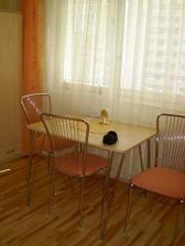 """Už jenom stůl a židle a """"kdo má židli ten bydlí"""" :-)))))"""