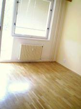Najednou mi ta místnost připadá i docela velká :-))
