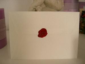 takto zapečatíme obálky s pozvánkou