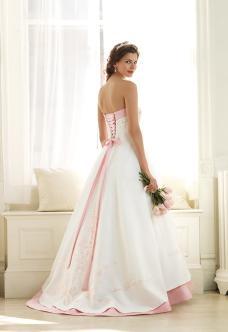 Najkrajšie svadobné šatičky - Obrázok č. 4