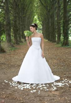 Najkrajšie svadobné šatičky - Obrázok č. 11