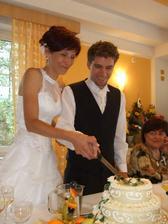 krájení dortíku...ten byl vynikající