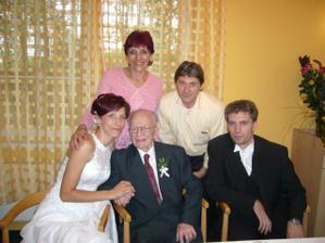 nevěstiny rodiče a ženichův dědeček