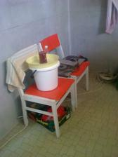 provizorná kuchyňa v pivnici