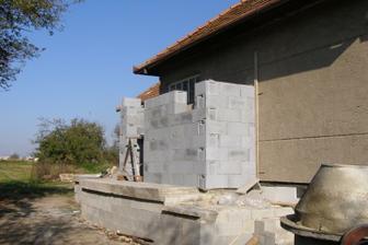 budujeme zadverie spolu s druhym WCkom