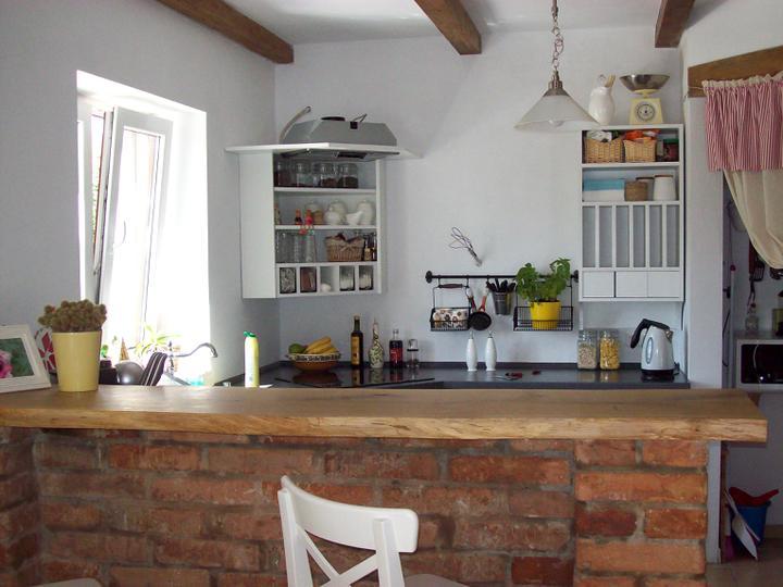 Drevo a biela v kuchyni - Obrázok č. 72