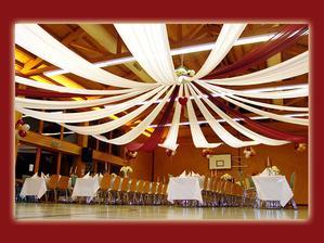 takto by som si predstavovala vyzdobu stropu :-)