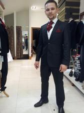 Oblek Benetti, tapanky Bugatti, 2 kosele, vesta a kravata zdarma, vsetko spolu 225 eur obchod  patrick bourke   :-)