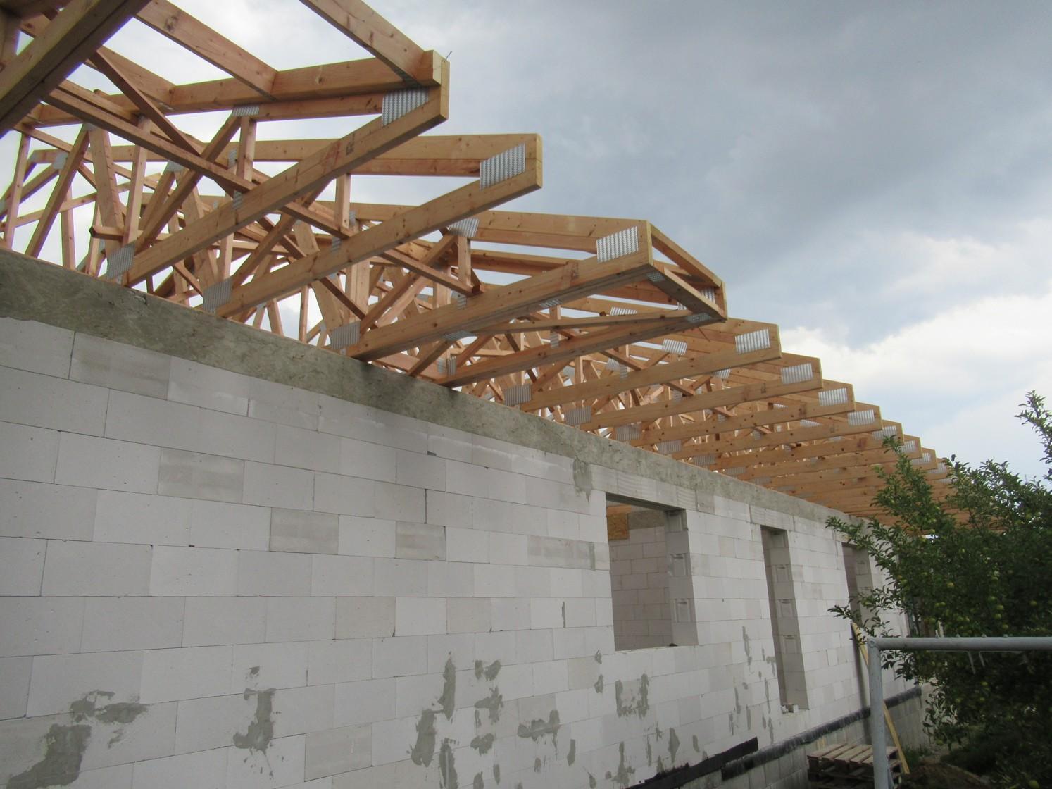 Väzníková strecha na kľúč s krytinou Terran Danubia EVO Carbon Párovské Háje okr. Nitra - Obrázok č. 10