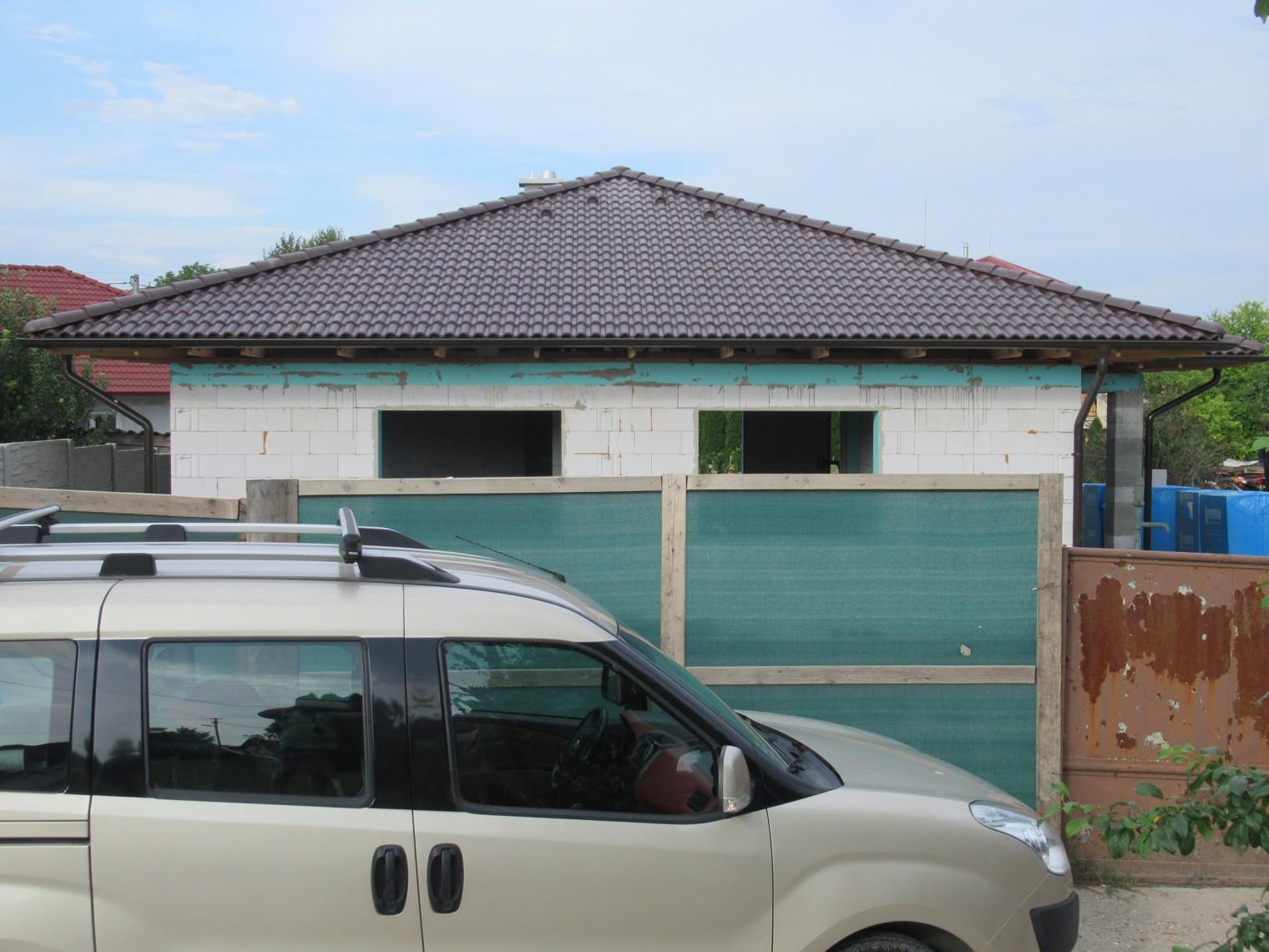 Väzníková strecha na kľúč s krytinou Terran Danubia EVO Mocca Horná Kráľová okr. Šaľa - Obrázok č. 1