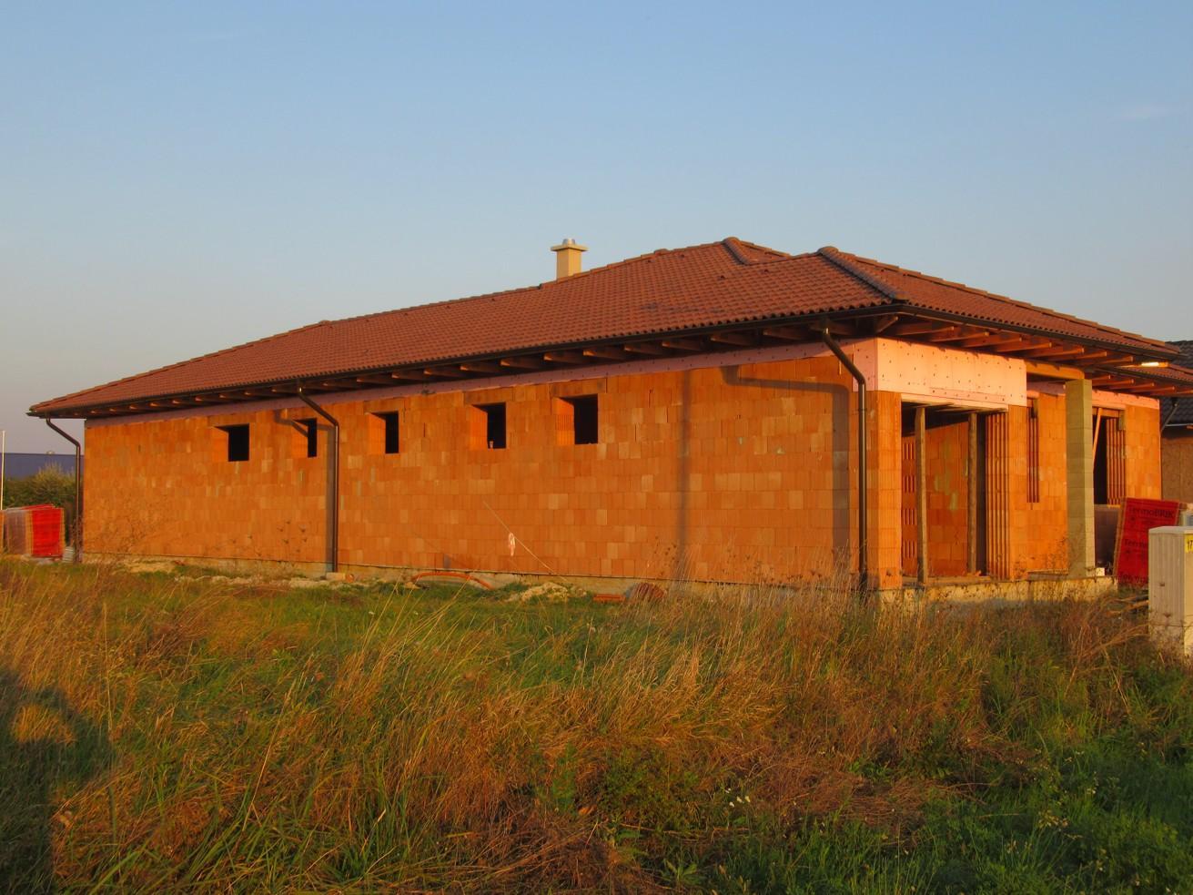 Väzníková strecha na kľúč s krytinou Terran Coppo Antická červená Nové Zámky - Obrázok č. 3