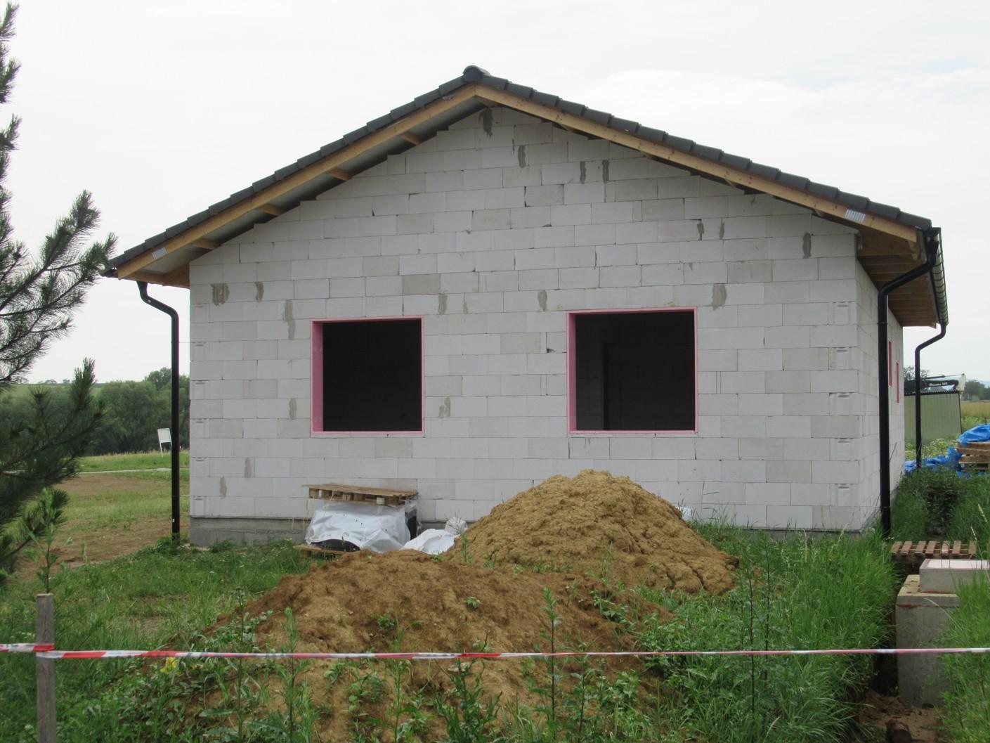 Väzníková strecha na kľúč s krytinou Terran Danubia Colorsystém Antracit Klasov okr. Nitra - Obrázok č. 1