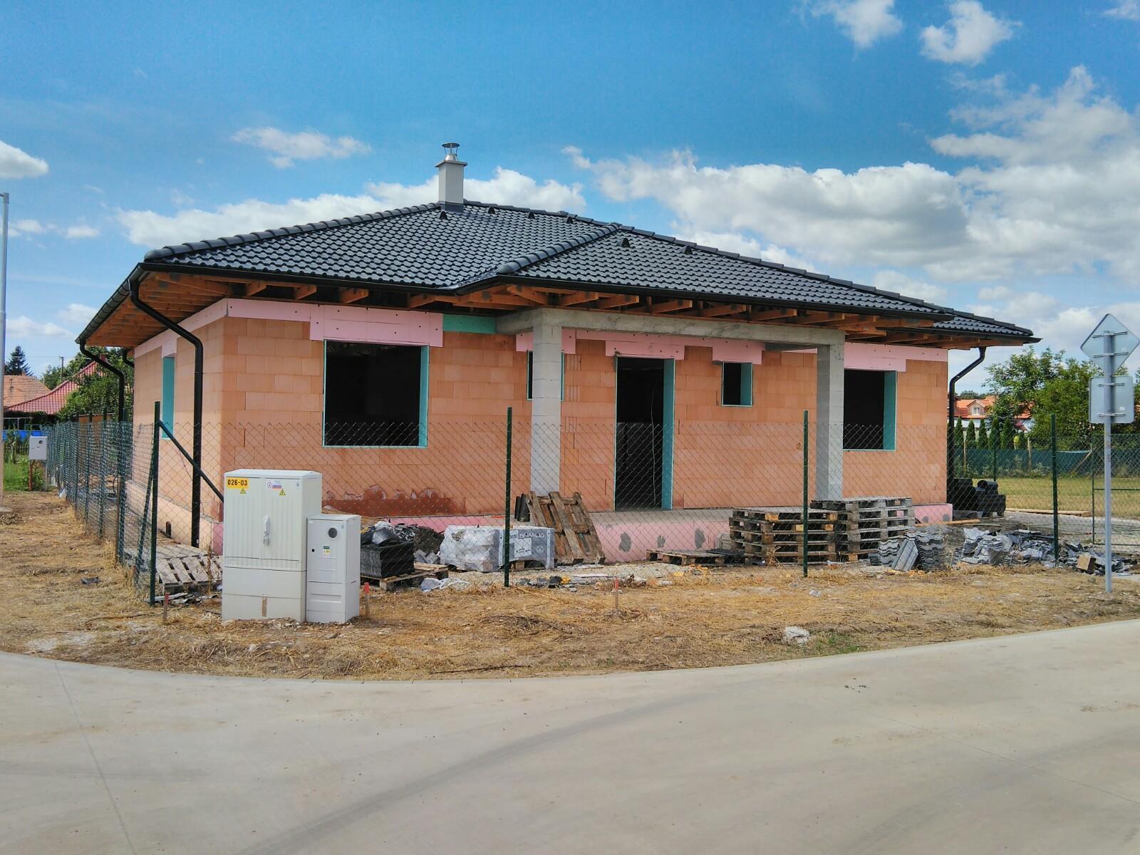 Väzníková strecha na kľúč s krytinou Bramac Klasik Protector Komjatice okr. Nové Zámky - Obrázok č. 2