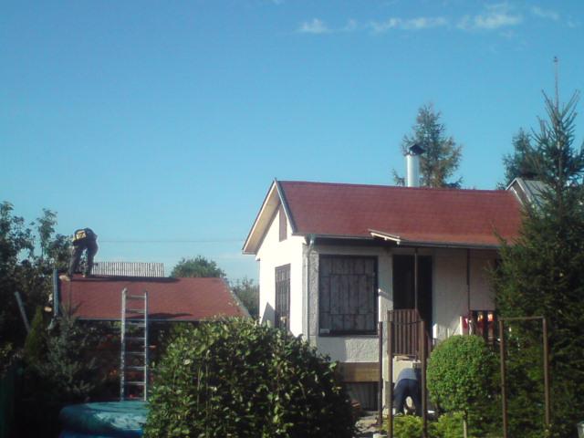 suffo - Stav strechy chatky s prístreškom a altánku po rekonštrukcii