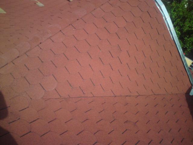 suffo - Detail úžľabia po rekonštrukcii s krytinou asfaltový šindel