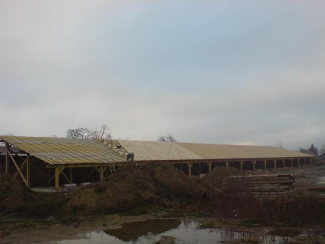 suffo - Hala na drevených stlpoch Žitavce okr. Nitra