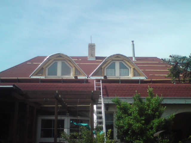 suffo - Rekonštrukcia oblúkov a prešindľovanie strechy Nové Zámky